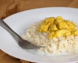 cuisiner des blancs de poulet recette de blancs de poulet au curry et au vin blanc