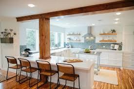 cuisine contemporaine blanche et bois design interieur modele cuisine contemporaine blanche bois credence