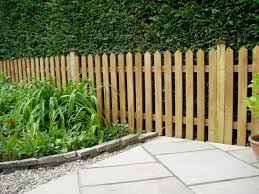 Garden Fence Types Garden Fencing And Hedging