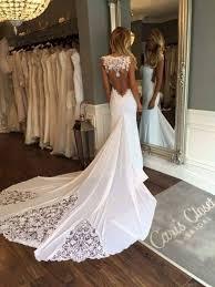 robe mariã e sirene robe de mariã e dentelle dos nu idée de mariage à essayer