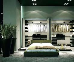 what is a walk in closet what is a walk through bedroom master bedroom with walk in closet