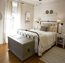 Beadboard Around Bathtub Designing A Country Bedroom Ideas For Your Sweet Home Cottage