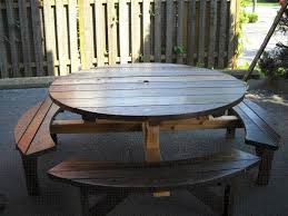 Make A Picnic Table Free Plans by Best 25 Round Picnic Table Ideas On Pinterest Picnic Tables