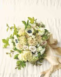 bridal flower and inexpensive wedding flower ideas martha stewart weddings
