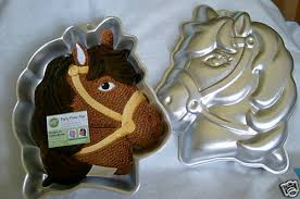 wilton cake pans get a pony horse cake pan make a pony horse cake