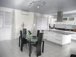 deco cuisine blanche et grise organisation deco cuisine noir blanc gris