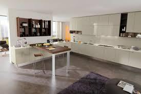 cuisine marron et blanc déco cuisine blanche sol marron 13 marseille cuisine blanche