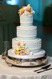 8 most popular wedding cake flavors of 2014