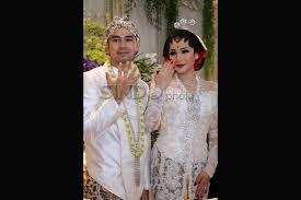 wedding dress nagita slavina foto raffi ahmad dan nagita slavina resmi menikah