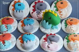 dinosaur cupcakes dinosaur cakes and cupcake designs roaringly prehistoric
