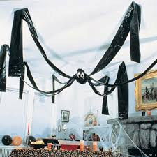 Outdoor Halloween Decorations Spiders by 42 Last Minute Cheap Diy Halloween Decorations You Can Easily Make