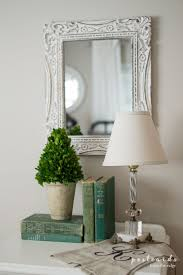 the 25 best modern vintage bedrooms ideas on pinterest le blog love this vintage bedroom decor those old green books are gorgeous