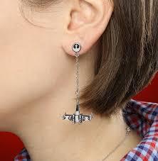 cool dangle earrings wars dangle earrings thinkgeek