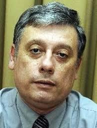 Dr. Gustavo Báez, neurólogo paraguayo. / ABC Color. Resaltó que en nuestro país tampoco se realizan los estudios genéticos en la sangre para la detección ... - dr-gustavo-baez-neurologo-paraguayo-_206_272_39653