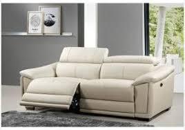 comment nettoyer un canapé en cuir blanc comment nettoyer canapé simili cuir noir comme votre référence