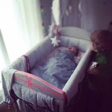 bébé dort dans sa chambre cododo les vies d amélie