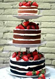 choosing your wedding cake for your wedding in spain