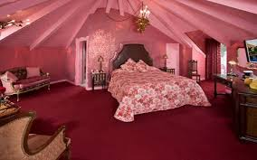 jayne mansfield house nu moon think pink