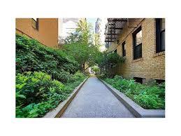 Three Bedroom Apartments In Queens by Queens Ny Condos For Sale Apartments Condo Com