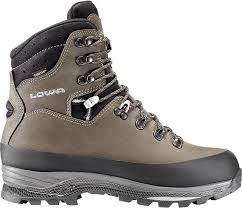 hiking boots s canada reviews gear review the lowa tibet gtx are they the elk