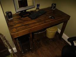 Build A Wooden Computer Desk by Diy Pallet Computer Desks Recycled Things