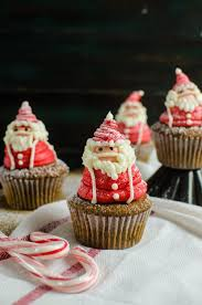 santa claus cupcakes santa claus frosting decoration tutorial