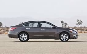 nissan altima 2013 good car feature flick 2013 nissan altima commercial breaks the
