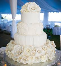 26 elaborate wedding cakes with sugar flower details modwedding
