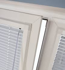 Venetian Blinds Fitting Service Sunnyday Blinds Made To Measure Blinds And Curtains Blinds In