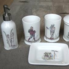 Salle De Bain Bathroom Accessories by Brodées Skieurs Vintage Skier Embroided Collection Mountain