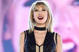 taylor swift encourages fans to vote on instagram billboard