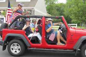 jeep wreath theme hundreds turn out for 4th of july parade in tuckerton surf city