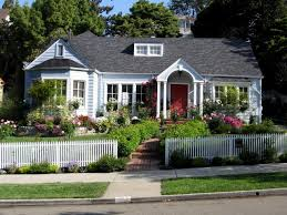 House With Front Porch Front Yard Fence White With Front Yard Fence Ideas Front Porch