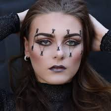 black halloween makeup