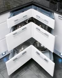 tiroirs de cuisine rangement tiroirs cuisine meuble cuisine angle tiroir astuces