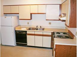 2 Bedroom Apartments In Champaign Il Green Street Rentals Champaign Il Apartments Com