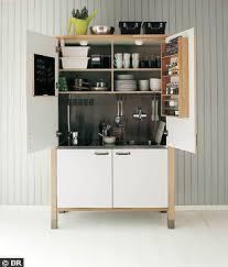 cuisine tout en un dans 1m20 et 1m80 il y a tout ce on a besoin dans une cuisine