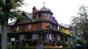 Decorated Homes For Halloween A U0027s Guide To The 10 Best Decorated Houses For Halloween