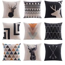 housse de coussin canapé 18 best coussins images on cushions slipcovers and chess