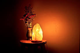 himalayan salt rock light these rock benefits of himalayan salt ls eluxe magazine