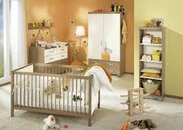 chambre bebe en bois image chambre bébé bois naturel bébé et décoration chambre bébé