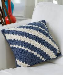 Knitted Cushions Free Patterns Diagonal Crochet Pillow Free Quick N Easy Level Pattern Crochet