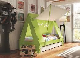 chambre pour enfants chambres d enfants déco ludique et colorée côté maison