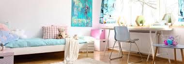 chambre ideale chambre ideale des peluches se trouvant sur le lit dun enfant