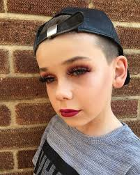 ten year ild biy hair styles this 10 year old boy is going viral for his insane makeup skills