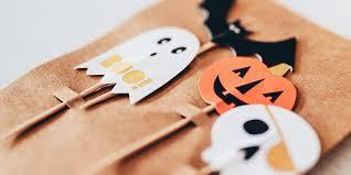 8 fun diy halloween office decorations