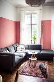 Wohnzimmer Einrichten Mit Schwarzem Sofa Diy Regal In Kupfer Und Andere Neuigkeiten Aus Unserem Wohnzimmer