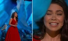 Flag Face Oscars 2017 Moana Star Auli U0027i Cravalho Hit By Flag While
