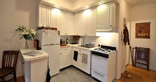 idee arredamento cucina piccola gallery of casa moderna roma italy come arredare una cucina idee