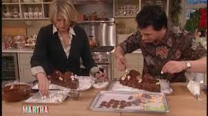cuisine buche de noel johnny iuzzini makes a buche de noel with martha stewart
